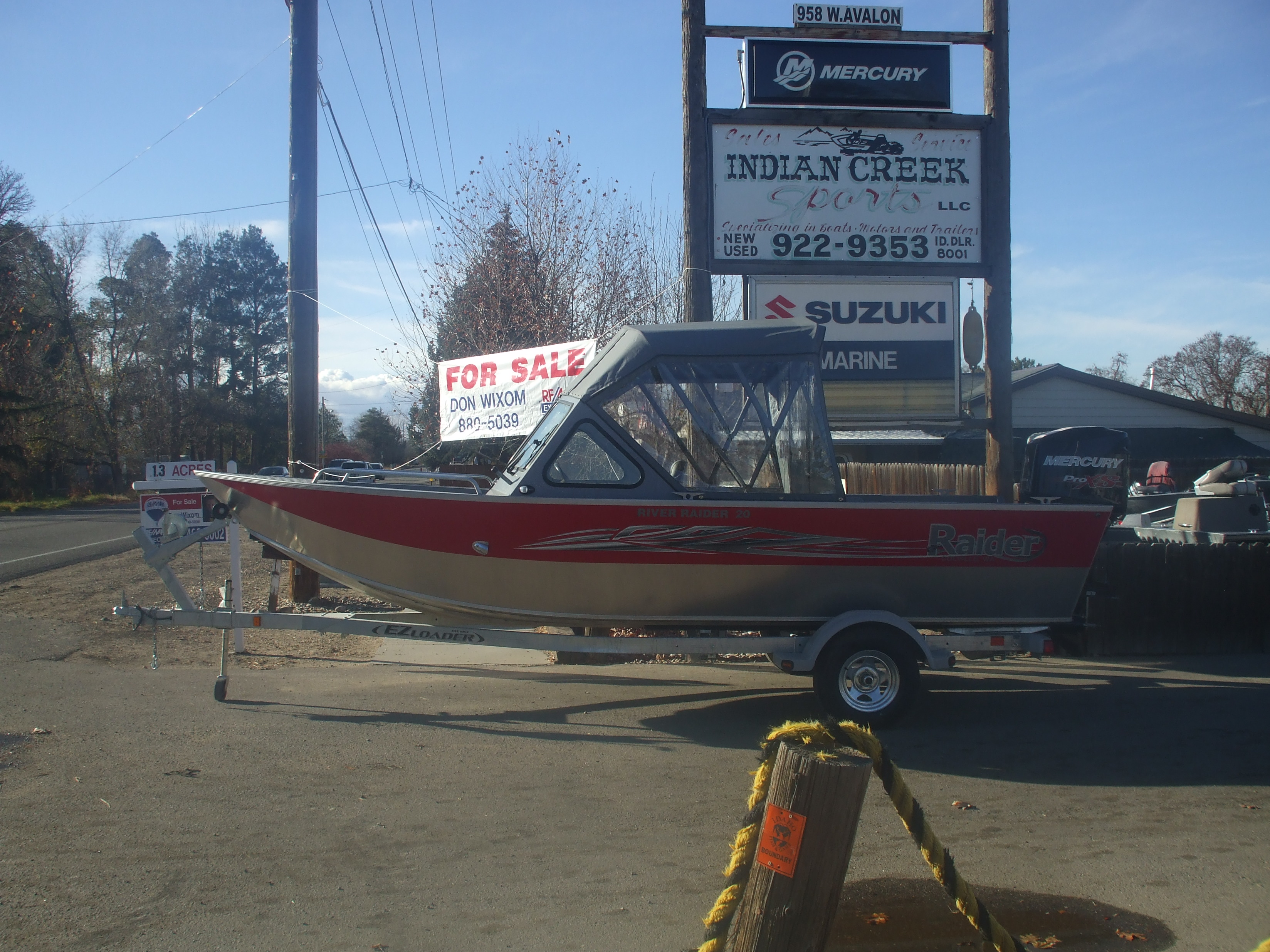 2017 20ft River Raider boat  Red and Charcoal
