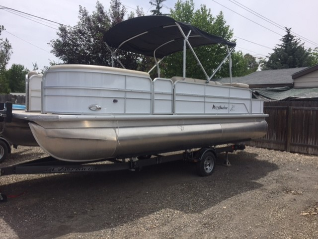 2017 Adventure 2285 FC Pontoon