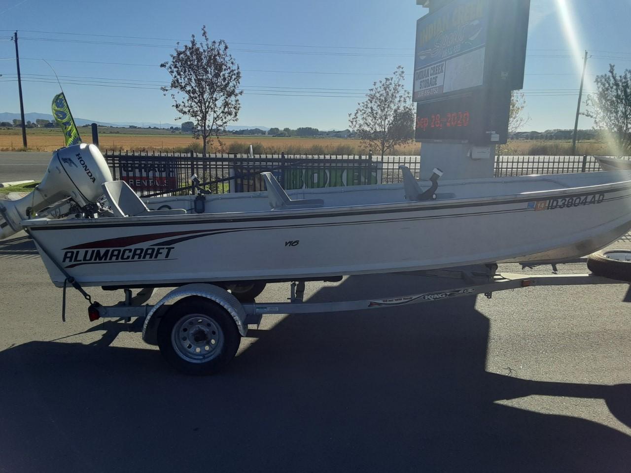 2002 Alumacraft V16 boat – $5,000