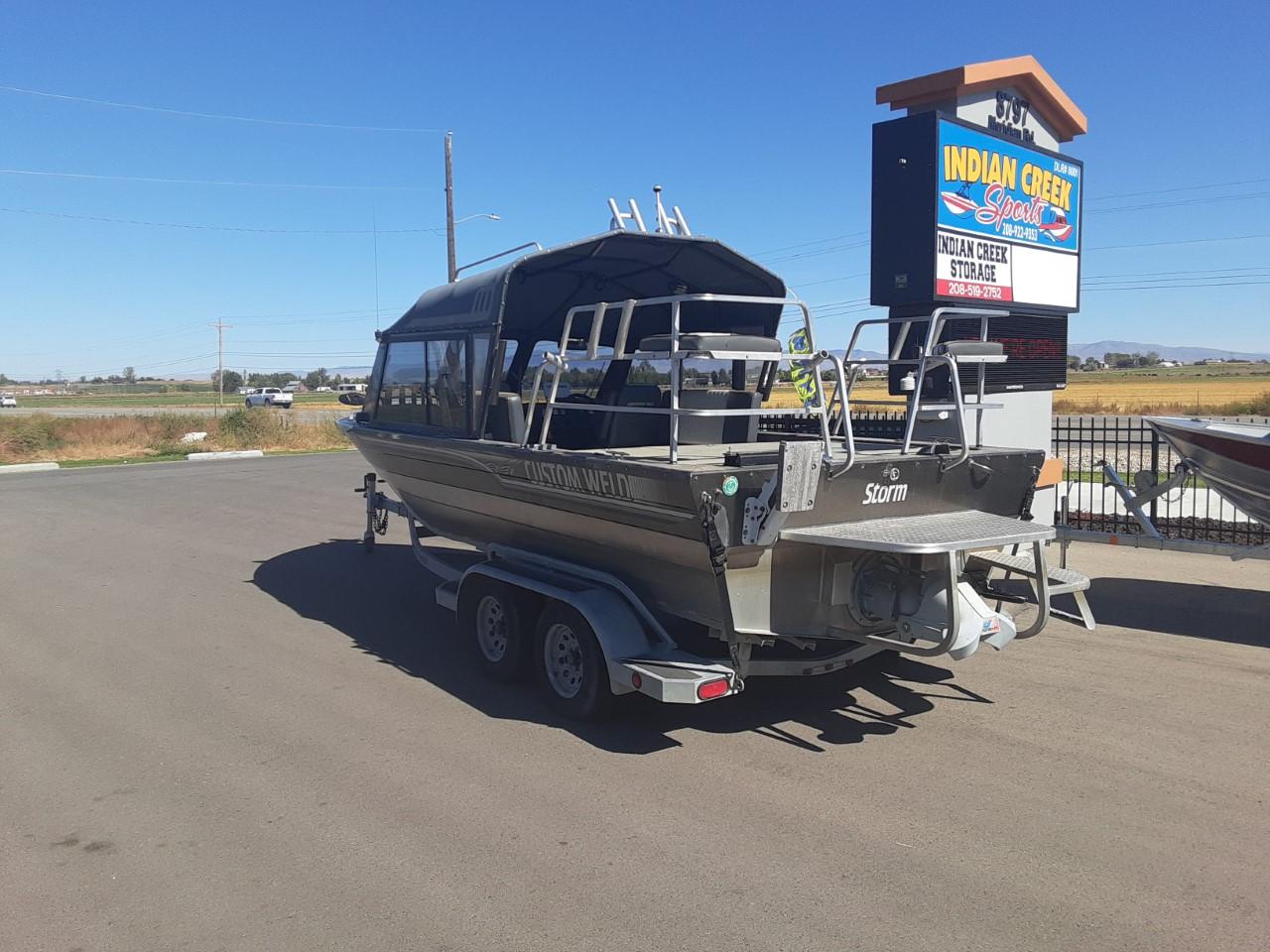 2004 Custom Weld Storm 21ft boat – $45,900
