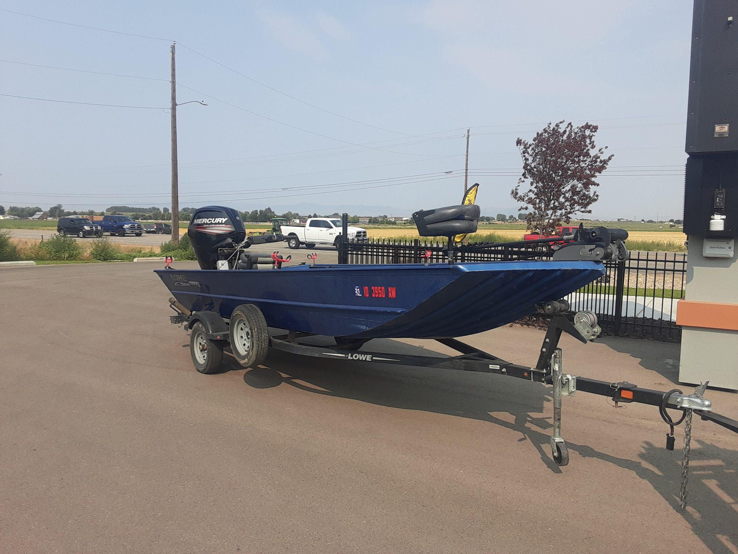 2017 Lowe Roughneck 1860 tiller boat